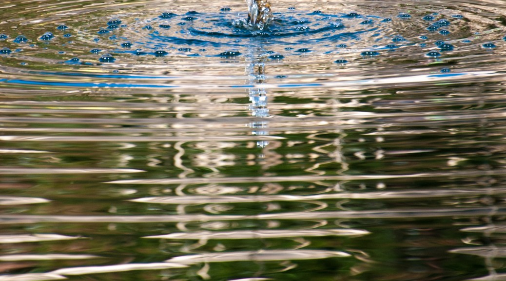 fountain and ripples